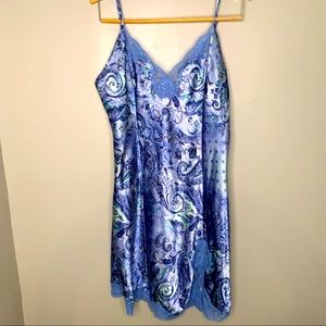 Delicates silky blue lace trimmed nighty nightgown